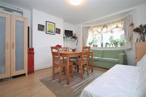 2 bedroom apartment to rent - Chinbrook Crescent, Grove Park, Lewisham, London, SE12