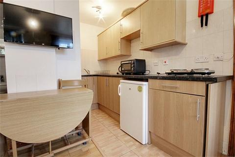 Studio to rent - Hamilton Avenue, London, N9