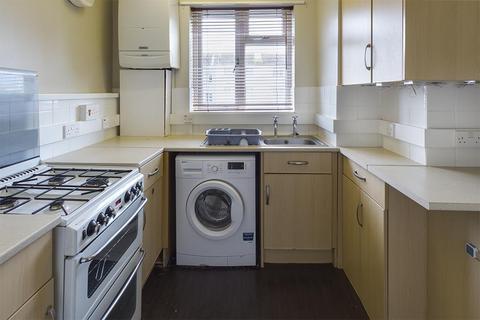 3 bedroom flat to rent - Foxcott Close, Southampton