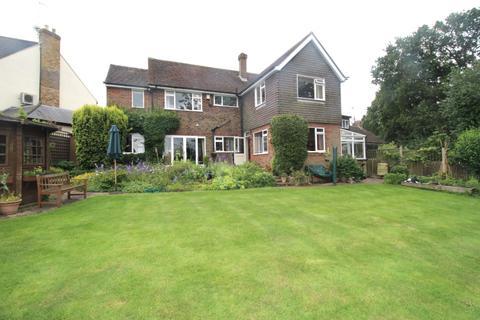5 bedroom detached house for sale - Heron Close, Buckhurst Hill, Essex IG9