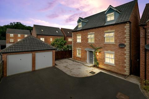 6 bedroom detached house for sale - Vislok Close, Market Harborough LE16 9GE