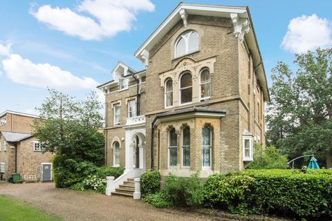 3 bedroom apartment for sale - Shortlands Road, Bromley