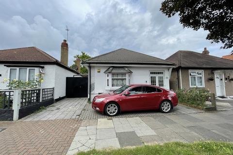 3 bedroom detached bungalow for sale - Eton Avenue, Wembley, HA0 3AZ