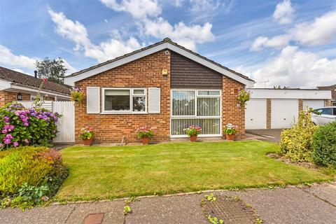 2 bedroom detached bungalow for sale - Cherry Tree Drive, Eastergate