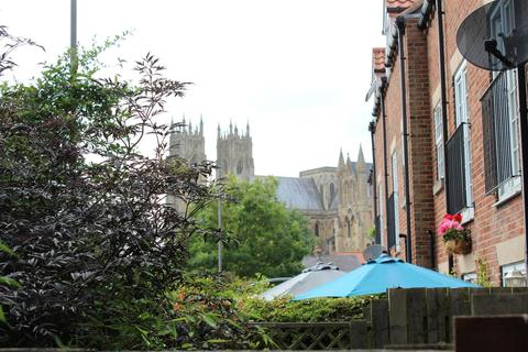3 bedroom townhouse for sale - Flemingate Court, Beverley