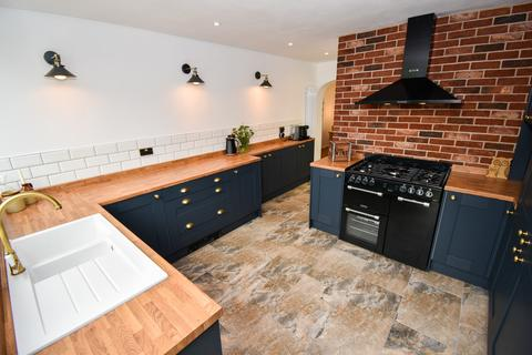 3 bedroom semi-detached house for sale - Preston New Road, Blackpool, FY4