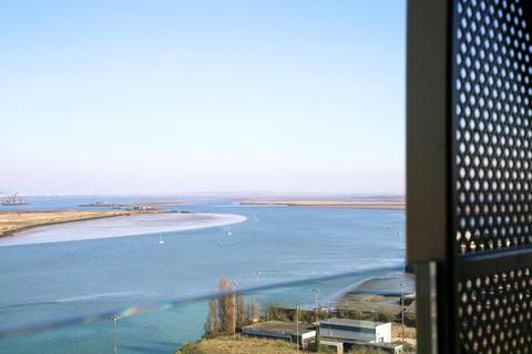 2 bedroom apartment for sale - Chatham Waters, Flat 78, Chatham Docks, Gillingham, ME4