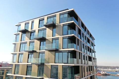3 bedroom apartment for sale - Chatham Waters, Flat 17, Chatham Docks, Gillingham, ME4