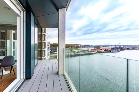 3 bedroom apartment for sale - Chatham Waters, Flat 66, Chatham Docks, Gillingham, ME4