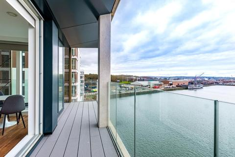 2 bedroom apartment for sale - Chatham Waters, Flat 9, Chatham Docks, Gillingham, ME4