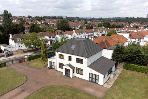 5 bedroom detached house for sale - Salmon Street, Wembley Park, London, NW9