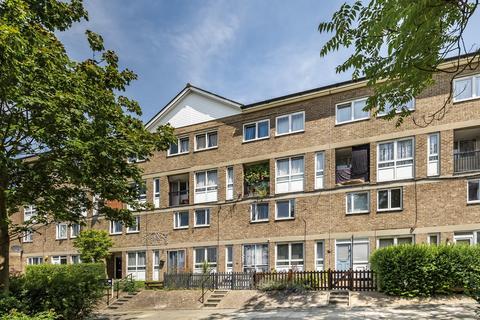 2 bedroom maisonette for sale - Flintmill Crescent London SE3
