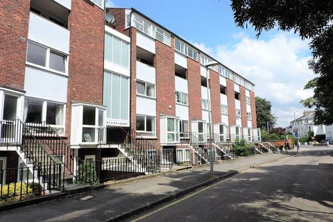 2 bedroom apartment to rent - Falconhurst, The Crescent, Surbiton, KT6