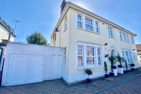 7 bedroom detached house for sale - Dormers Wells Lane, Southall, UB1.