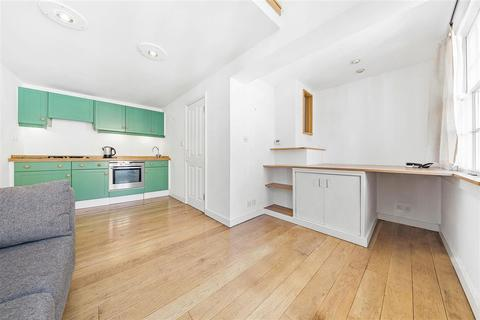 2 bedroom mews to rent - Royal Crescent Mews, W11