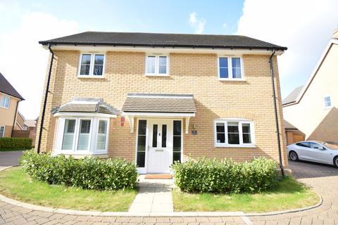 4 bedroom detached house to rent - Beech Tree Road, Maidstone - Langley ME15