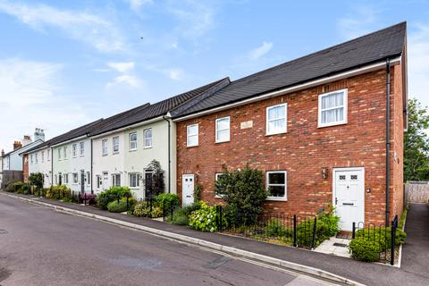 2 bedroom end of terrace house for sale - Littlefield Road, Alton, Hampshire, GU34