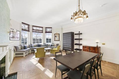 2 bedroom apartment to rent - Chelsea Embankment, London, SW3