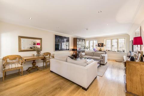 4 bedroom flat to rent - Collingham Gardens, South Kensington, SW5