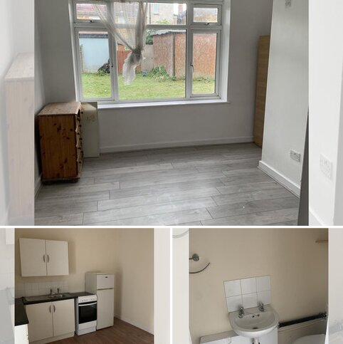 Studio to rent - Bowse Road, London  N13