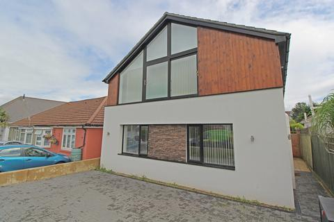 5 bedroom detached house to rent - Sherwood Avenue, Whitecliff, Poole