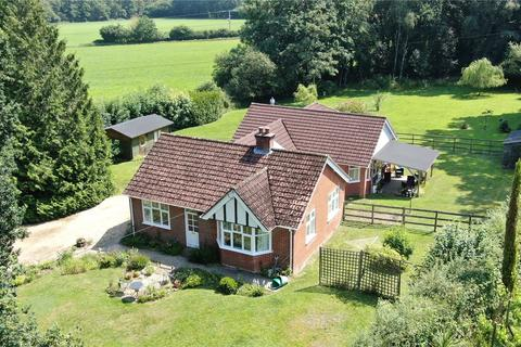 4 bedroom detached house for sale - Whinwhistle Road, East Wellow, Romsey, SO51