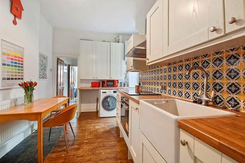 2 bedroom apartment for sale - Hawke Park Road, London, N22