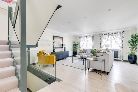 3 bedroom terraced house to rent - Lanfrey Place, London, W14