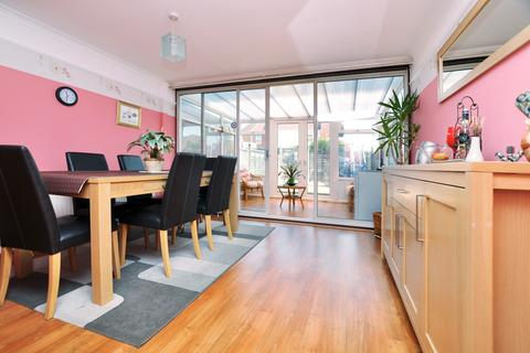 3 bedroom townhouse for sale - Darrell Close, Chelmsford, CM1
