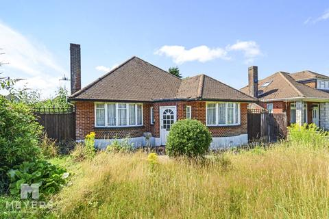 3 bedroom bungalow for sale - Iford Lane, Southbourne, BH6