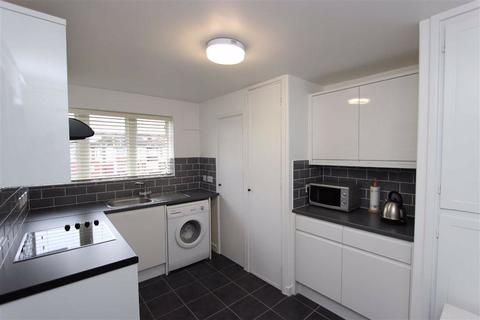 3 bedroom flat to rent - Hyde Park Avenue, Winchmore Hill