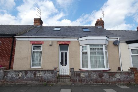 4 bedroom cottage for sale - Queens Crescent, Barnes, Sunderland, Tyne and Wear, SR4 7JN