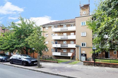 2 bedroom property for sale - Brook Lane, London