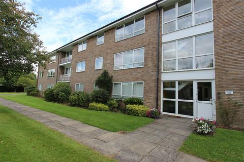 2 bedroom flat to rent - The Pines, Chase Road, Oakwood, N14