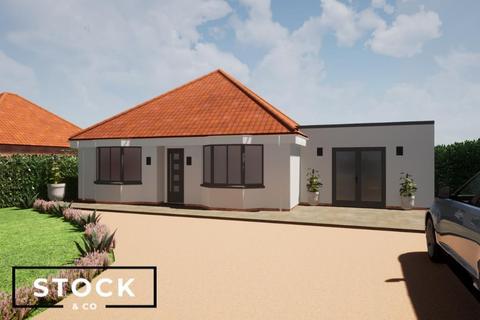 3 bedroom detached bungalow for sale - Cley Road, Holt
