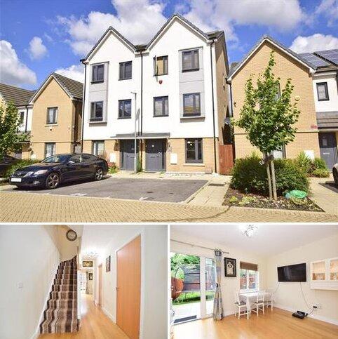 4 bedroom townhouse for sale - Reservoir Way, Hainault, Essex