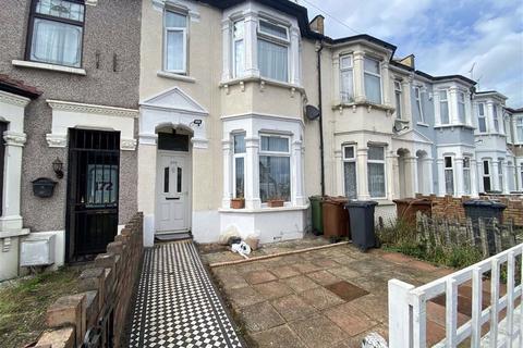 3 bedroom terraced house for sale - Park Avenue, Barking, Essex, IG11