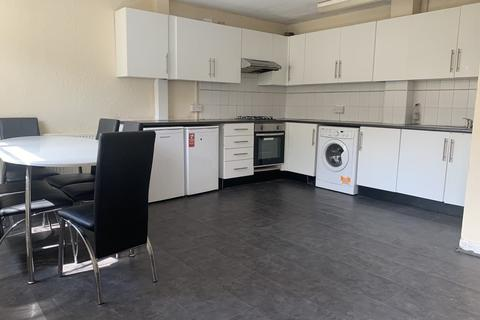 6 bedroom terraced house to rent - Woodsley Road