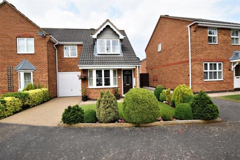 3 bedroom semi-detached house for sale - Normanton Drive, Oakham