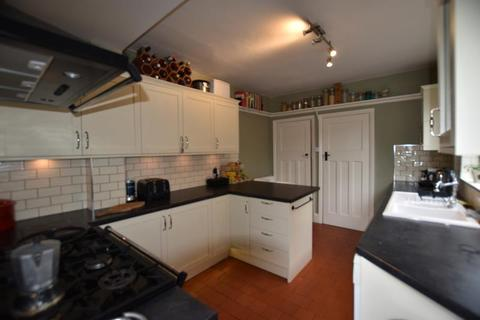 3 bedroom detached house to rent - Wollaton Road, Wollaton, Nottingham, NG8 1FU