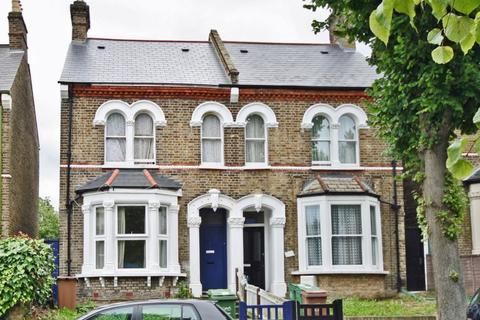 2 bedroom flat to rent - Barry Road, East Dulwich, SE22