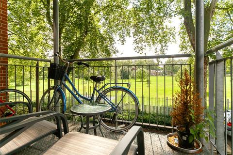 2 bedroom apartment for sale - Armstrong House, 146 Southwold Road, London, E5