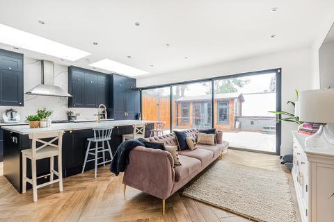 6 bedroom terraced house for sale - Tweedy Road Bromley BR1