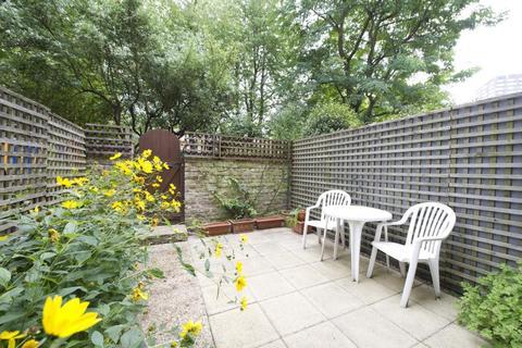 Studio to rent - Ladbroke Grove, London, W11