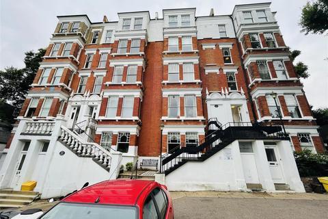 3 bedroom flat for sale - Frognal, London