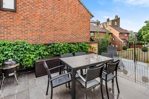2 bedroom detached house for sale - Menelik Road, West Hampstead Borders