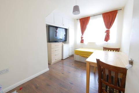 Flat share to rent - The Rye, Soutgate, N14