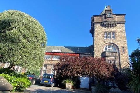 Studio to rent - St Leonards Crag, South Side, Edinburgh, EH8