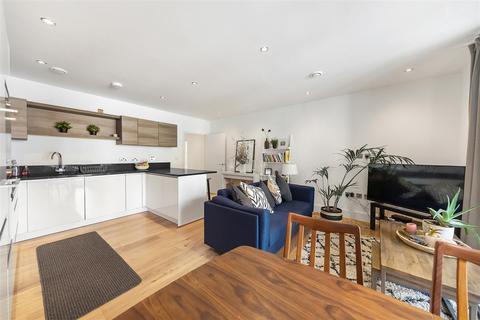 2 bedroom flat to rent - Faraday Road, W10