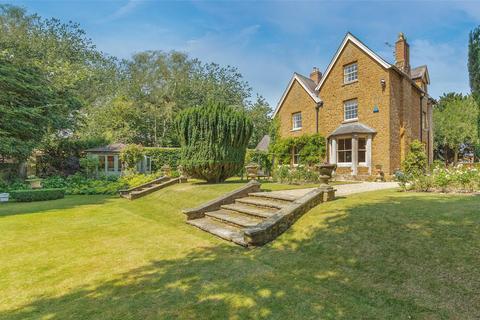 6 bedroom detached house for sale - Oakham Road, Tilton On The Hill
